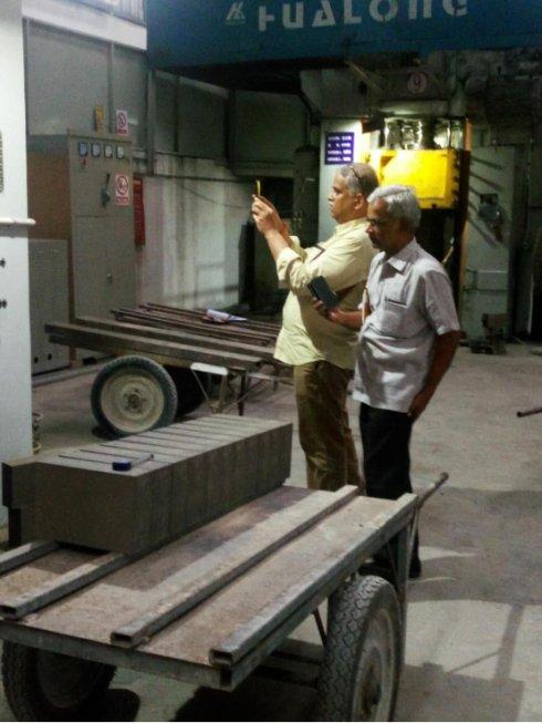 印尼客户来科威耐材洽谈耐火材料业务