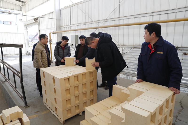 山西晋中铝业客户莅临郑州科威耐材参观
